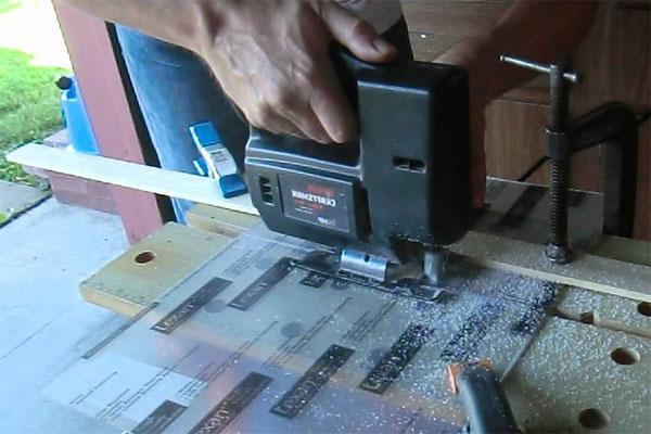 Чем порезать оргстекло в домашних условиях видео