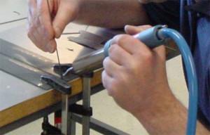 Сварка оргстекла горячим воздухом с инструментом