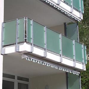 Остекленный балкон оргстеклом