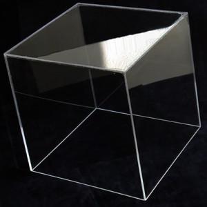 Органическое стекло - применение его может лежать в любой сфере