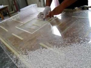 Где можно разрезать оргстекло в мастерских